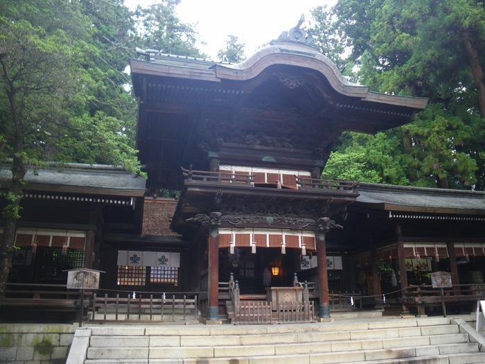 秋宮 幣拝殿