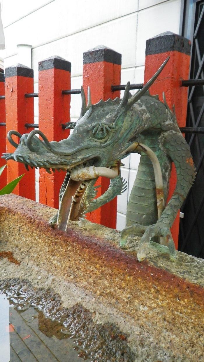 速玉大社横の稲荷神社