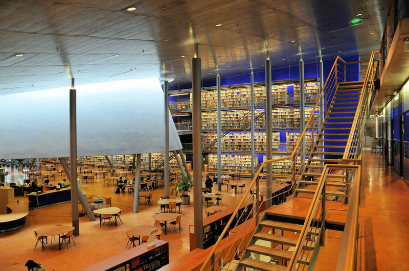 TU-Delft-library-interior.jpg