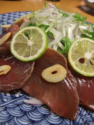 鰹のたたきとスライスオニオンのサラダ2