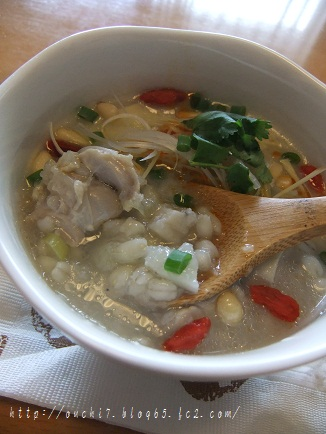 鶏と押し麦とれんこんのスープ煮2