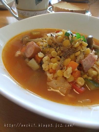 残りものとお豆のスープ