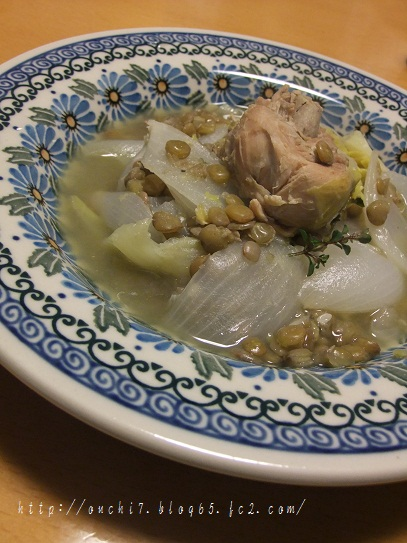 鶏と春キャベツと新玉ねぎの軽い煮込み
