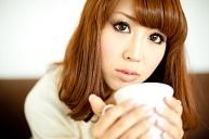 女性コーヒーカップ.jpg