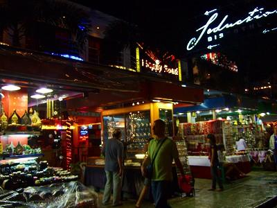 パトンビーチ バングラ通り