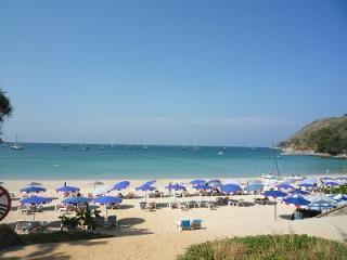ナイハンビーチ プーケット ホテル予約 観光ツアー