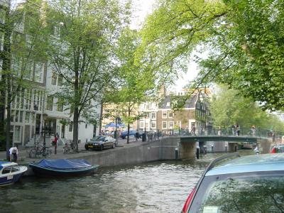 Amsterdam+Canal+008_convert_20110514132548.jpg