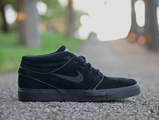 nike-sb-july-2011-sneakers-1.jpg