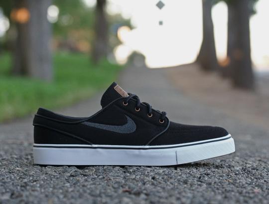 nike-sb-july-2011-sneakers-3.jpg