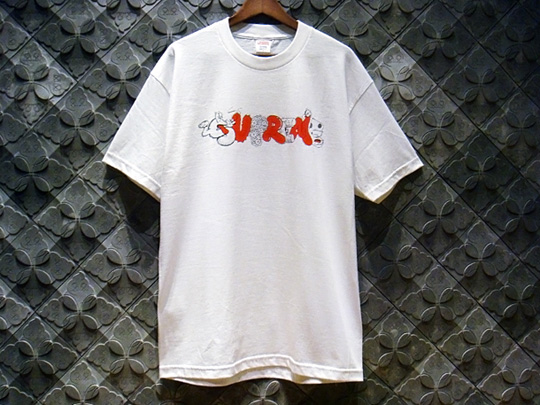 original-fake-supreme-tshirt-2.jpg