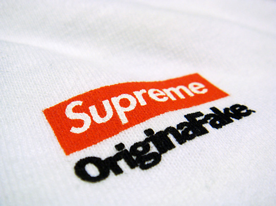 original-fake-supreme-tshirt-3.jpg