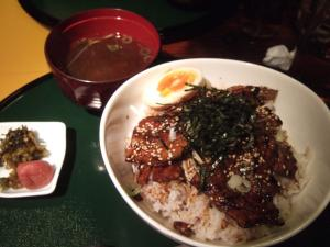 001豚丼
