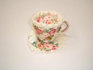 コーヒーカップのピンクッション