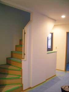 12.5二階階段の壁2.jpg