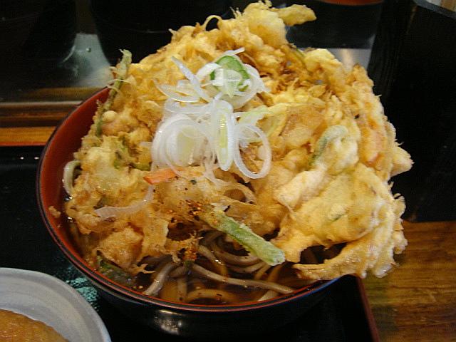 天ぷらそば+お稲荷さん@蕎麦 まえだ
