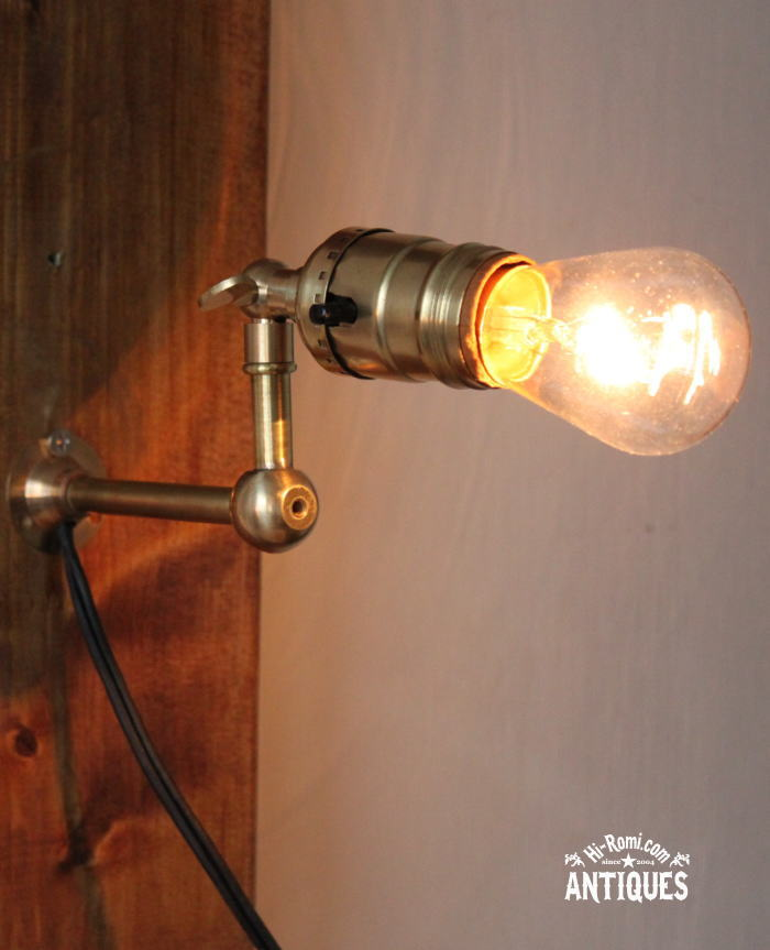 USA角度調整付真鍮ソケット壁掛ライトB/アンティーク工業系照明 20111013