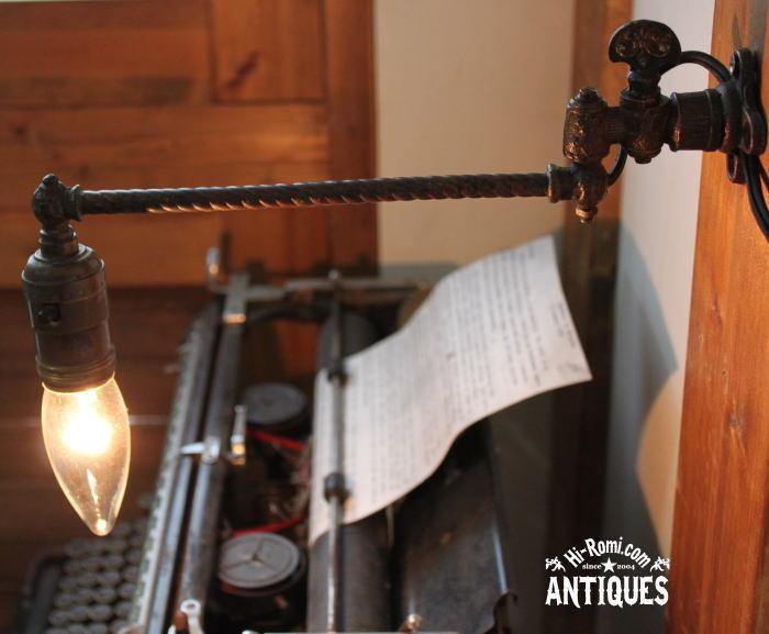 壁掛真鍮スウィングアーム工業系ガス燈ブラケット/アンティーク