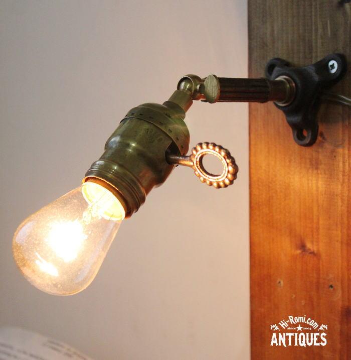 USA工業系角度調整付真鍮壁掛ライト鍵スイッチ/アンティーク照明