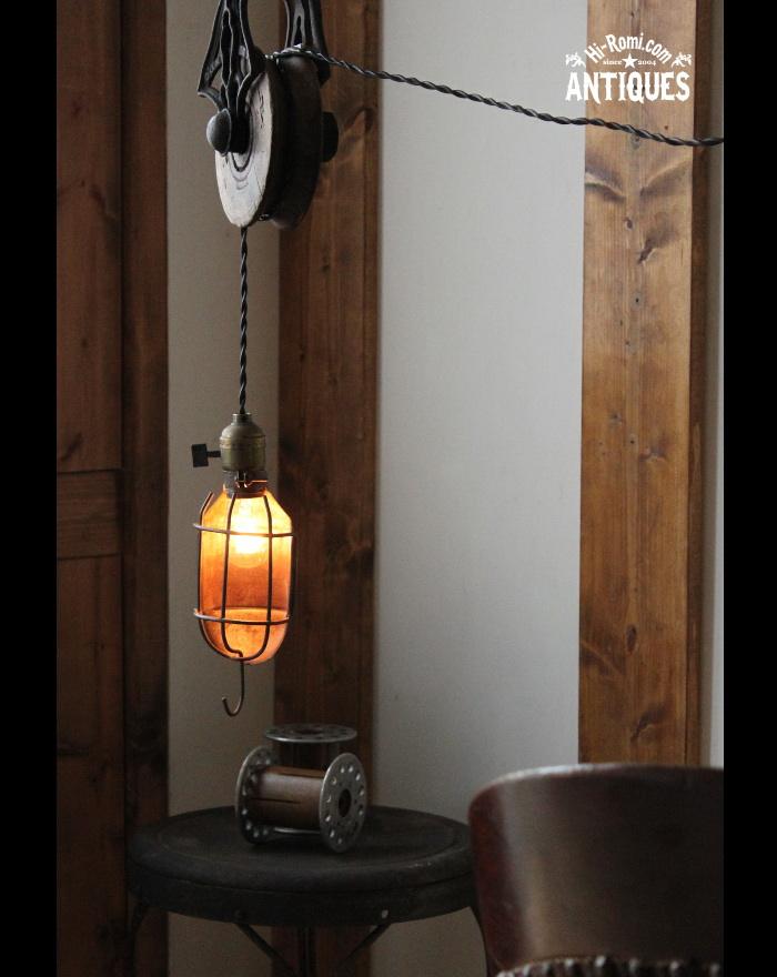 USA工業系ケージカバー付トラブルライト/アンティークランプ照明 20121206-2