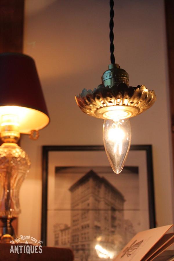真鍮製花形フレーム付きアルミソケットランプA/アンティーク照明