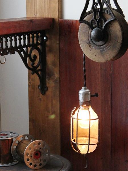 USA工業系ケージカバー付トラブルライト/アンティークランプ照明