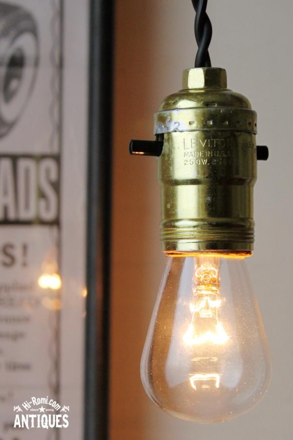 USAヴィンテージ/アルミ製プッシュ式ソケットペンダントランプ/アンティーク照明ライト/工業系インダストリアル