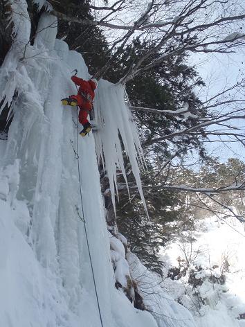 3本滝左の氷柱