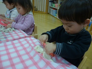 111201_保育園(粘土).cgi