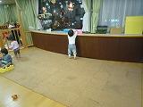 111215_保育園靴下取る (2)