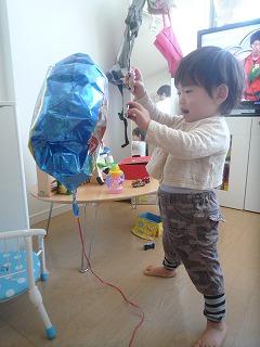 120130_萎んだ風船 (4)
