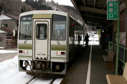 JR西日本 キハ120 越美北線