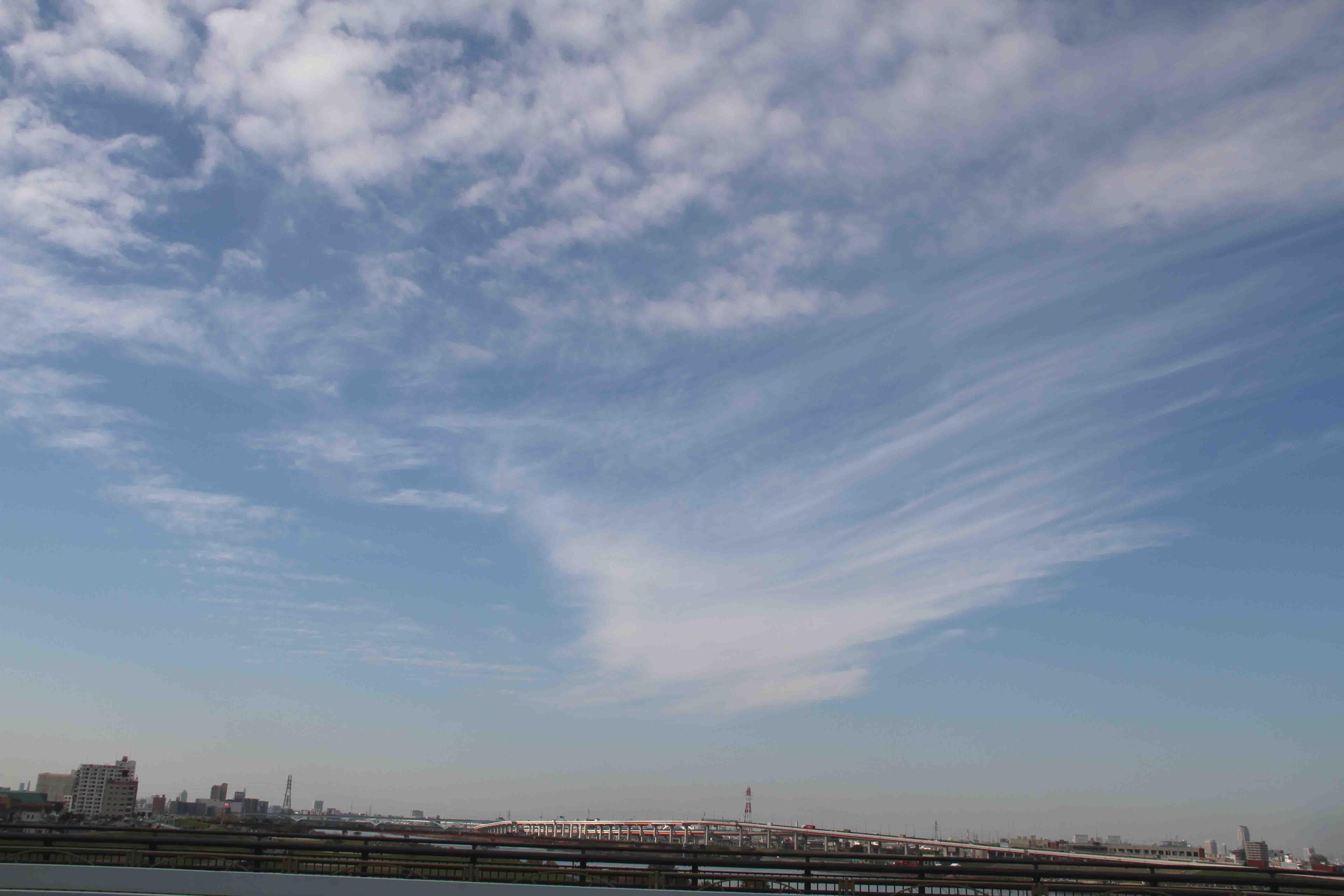 11月26日 東京の空(11時33分)