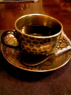 「がらや」さんのコーヒーは美味しい!そしてカップが超高級!(汗)