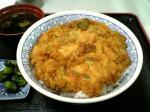 京浜東北線ホームで品川丼を食べる005