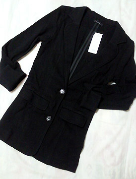 黒のコットンのジャケット