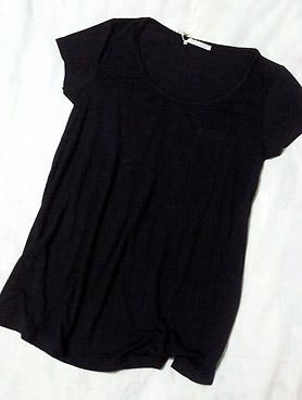 定番!黒のTシャツ