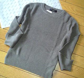 「ビームスウィメン」にて。ざっくり編みのコットンニットです!