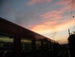 夕暮れ列車4