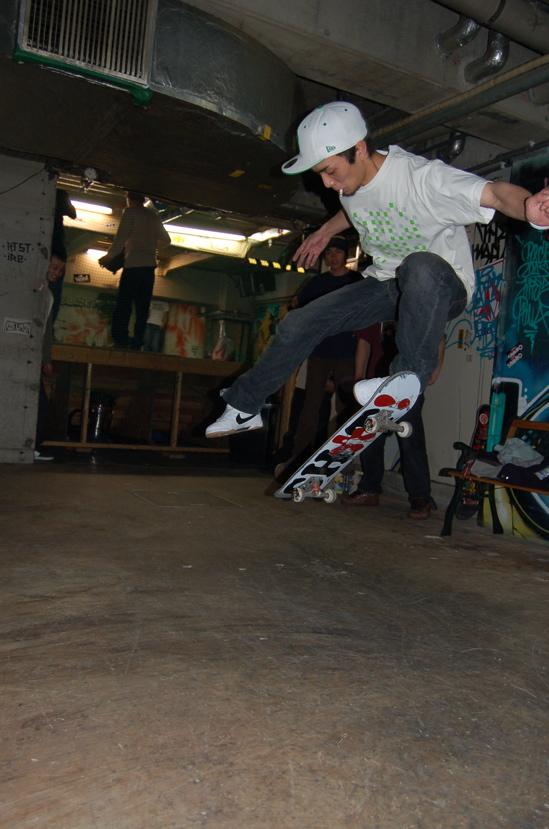tamura-onefoot.jpg