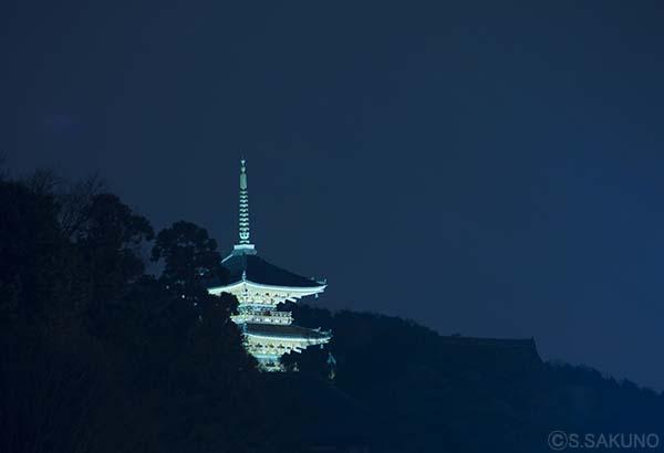京都の夜024W5705