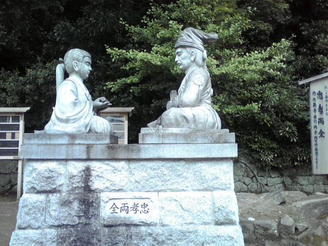 桜井の別れ銅像
