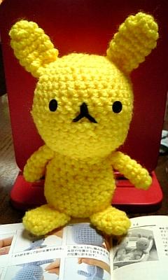 黄色いうさぎ。