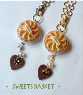 黄桃のタルトのバッグチャーム
