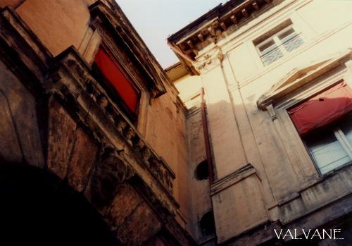 イタリア、ボローニャのクラシックな家屋