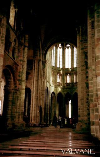 フランス、大天使ミカエルのお告げと礼拝堂