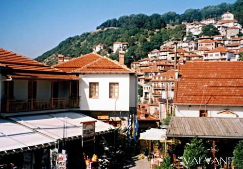 ギリシャ、メツォボの広場から