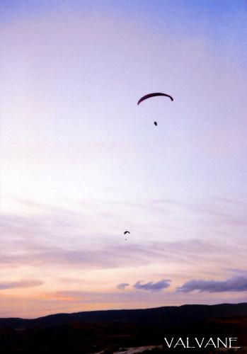トルコ、パムッカレの空に舞う