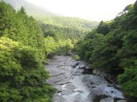 鮎もどし自然公園-川の景観東側