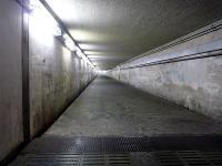 地下の東西通路