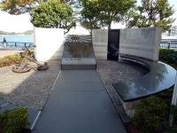 海軍終息から五十周年記念「海軍の碑」